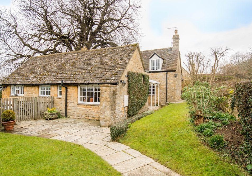 OSR 365 Chestnut Cottage 1